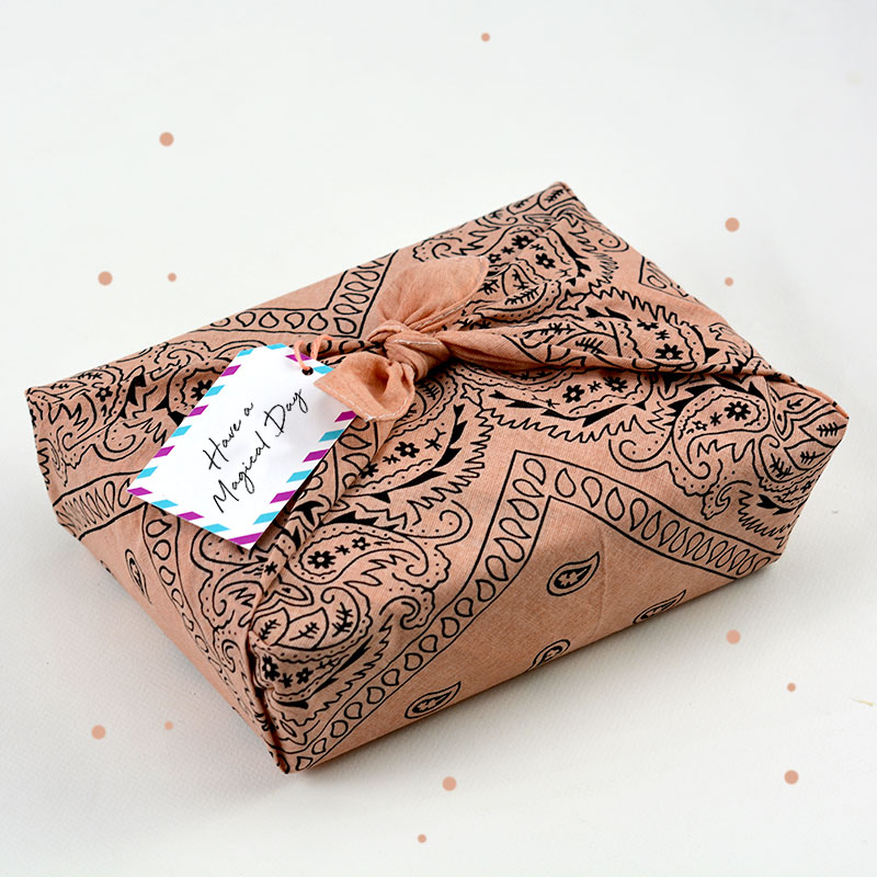 Box Surprise - Have a magical day - The PopCase