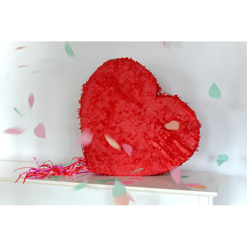 Combo Pinata Love + Bouquet Love Heart